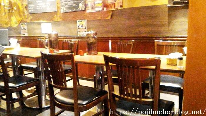 ショーリンのテーブル席の画像