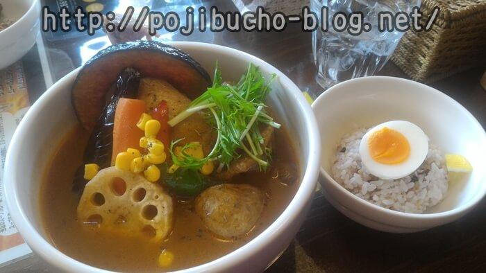 カオスヘブンのチキチキ(チキン)スープカレーのオリジナルスープで辛さ5番の画像
