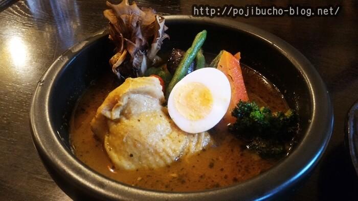 kanako(カナコ)のスープカレー屋さんのランチメニューのやわらかチキンの辛さ40番の画像
