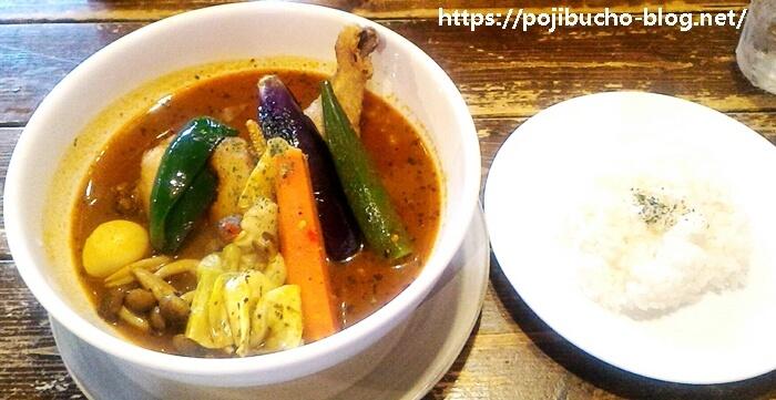 カンクーンのチキンとベジタブルのカレーの辛さ5番でオリジナルスープの画像