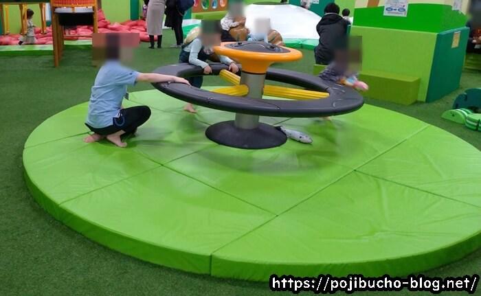 あそびパークPLUS札幌エスタ店の円形型遊具