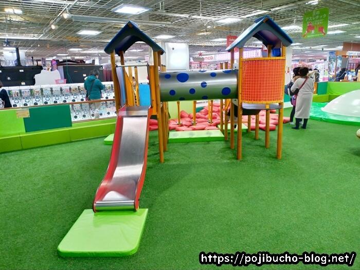 あそびパークPLUS札幌エスタ店の複合遊具