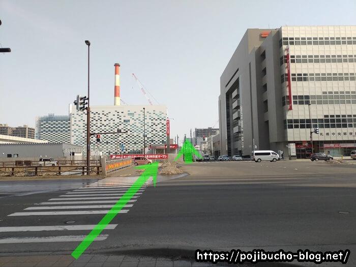 ボナンザへ向かう道の最初の信号の画像