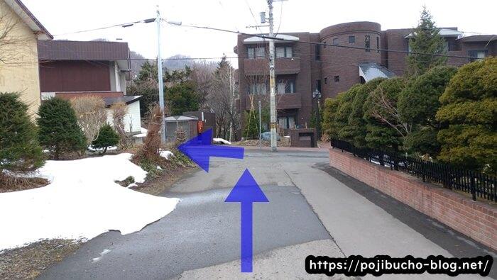 suage3へ向かう途中の次の突き当りを左折した画像